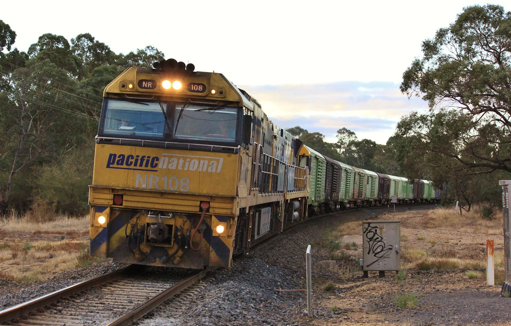 NR108 and NR40 pull out of Pyrenees Loop West of Ararat on PM5 by bukk05
