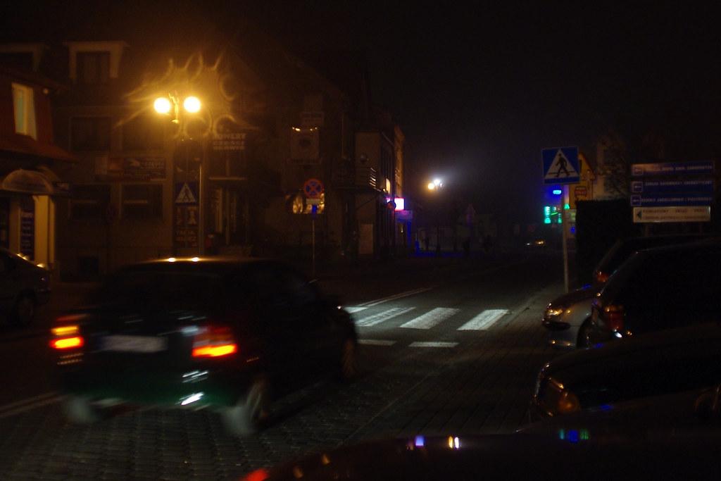325/366: Pedestrian crossing