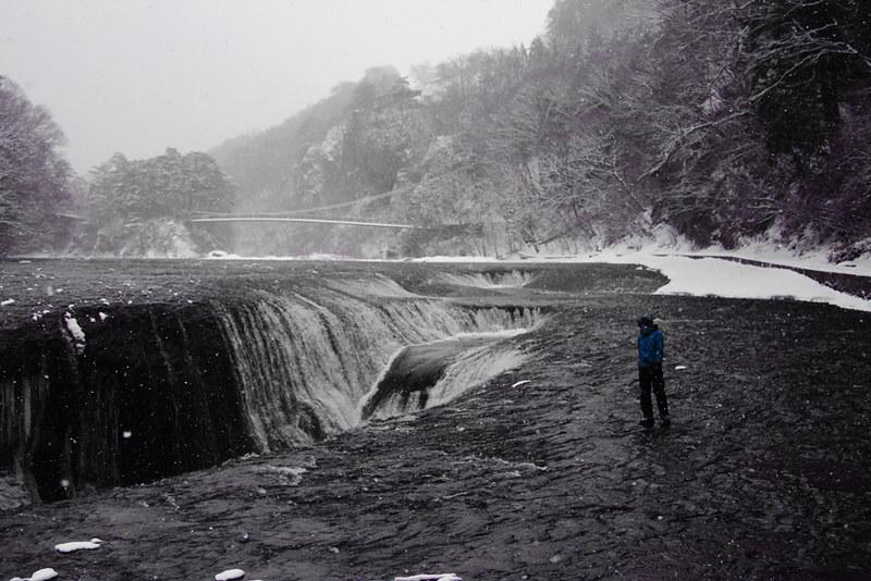 吹き割りの滝_30