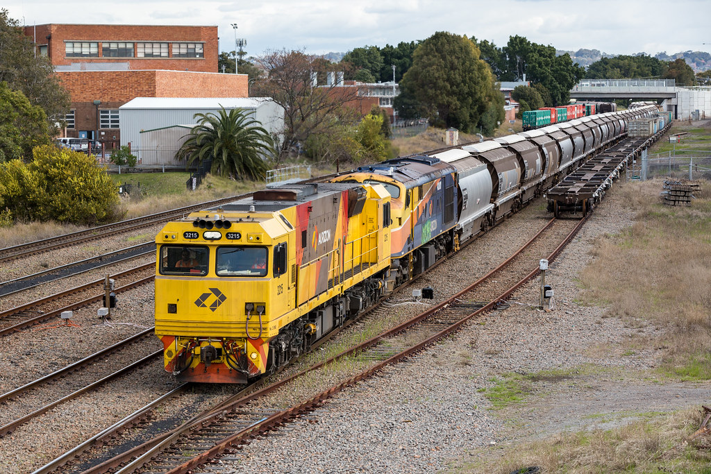 2016-08-26 Aurizon 3215-42107 Mayfield 5456 by Deano_305