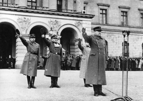 Militærparade på Slottsplassen.