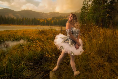 ballet ballerina dance dancer dawn sunrise danceasart bigcottonwoodcanyon landscape silverlake colors fall autumn fallcolors saltlakevalley outdoors canyons lake nikon photography utahgram utahphotography beutahful d500 nikond500