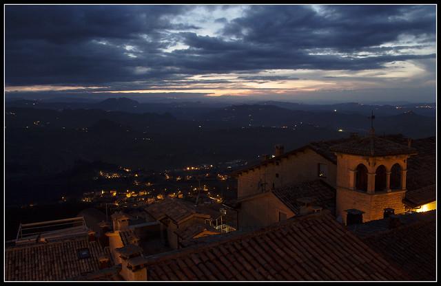 S Marino by night
