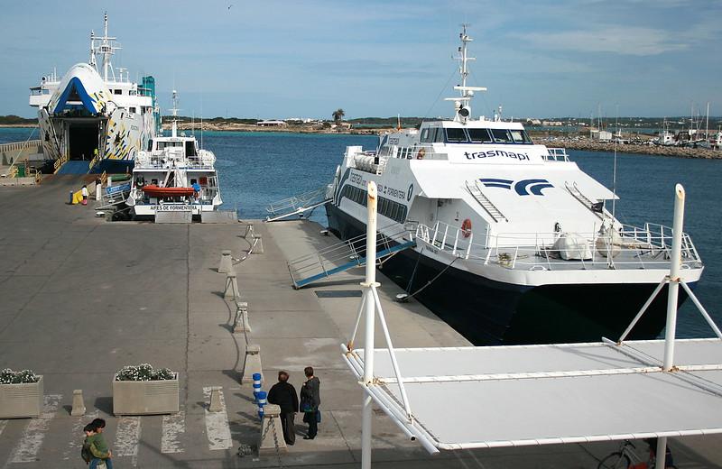 Posidonia, Aires de Formentera & Eivissa Jet @ La Savina, Formentera.
