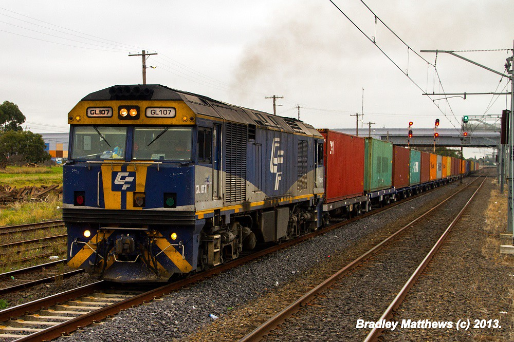 QUBE'S GL107 on 5MC1 to Harfield/Junee at Somerton Loop (11/4/2013) by Bradley Matthews