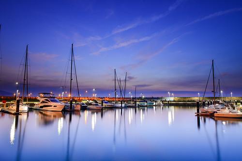 taiwan ilan toucheng wushiport sunrise dawn boat reflection sky cloud outdoors scenery 台灣 宜蘭 頭城 烏石港 黎明 晨曦 色溫 藍調