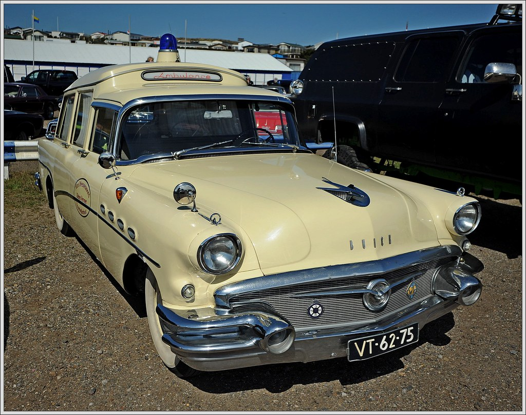 Buick Roadmaster / 1956 - Ambulance