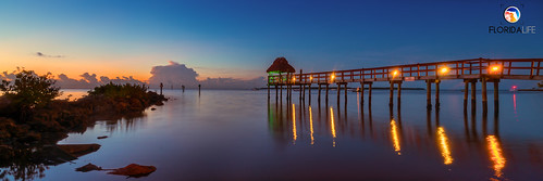 sony a7r2 sonya7r2 ilce7rm2 zeissfe1635mmf4zaoss fx fullframe longexposure scenic landscape oceanscape waterscape nature outdoors sky clouds colors reflections sunrise tropical island pier tikihut keylargo floridakeys overseashighway florida