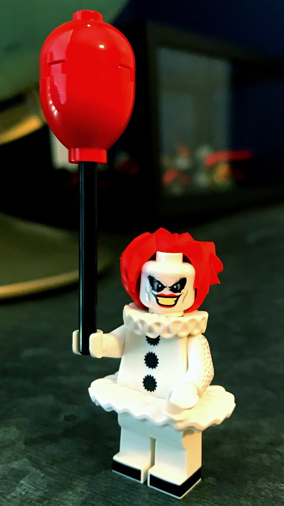 Pennywise Minifigure Horror Movie Theme clown NEW LEGO Minifig building blocks