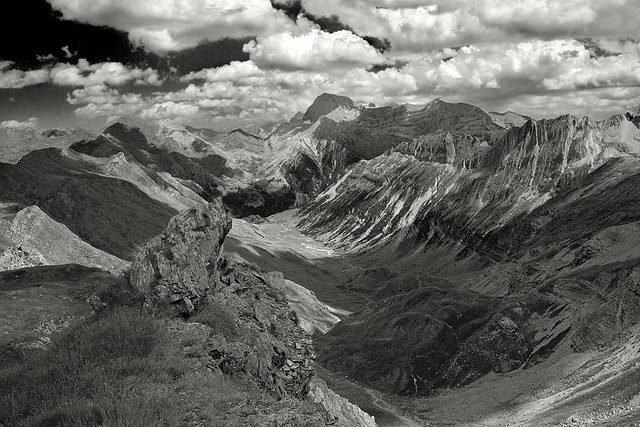 Otal valley (from Collado Tendenera)