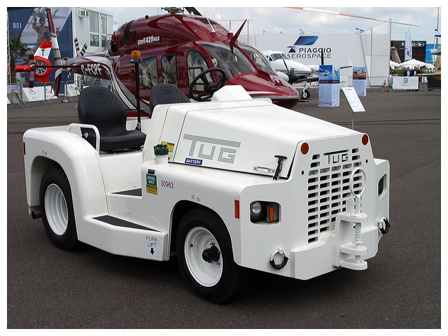 TUG aircraft tow tractor