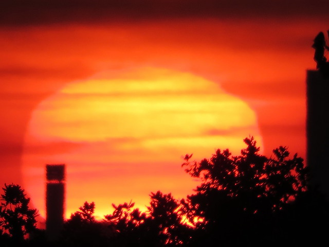 00732074 Sunrise