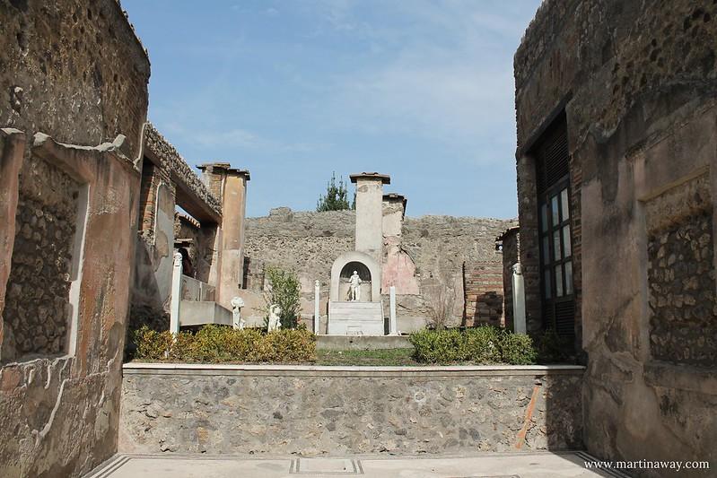 Scavi di Pompei, Casa di Marco Lucrezio sulla via Stabiana
