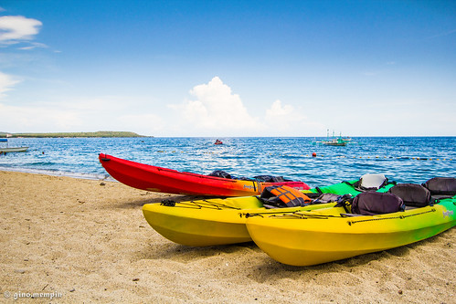 ocean summer beach boats sand kayak bluesky shore canon1022