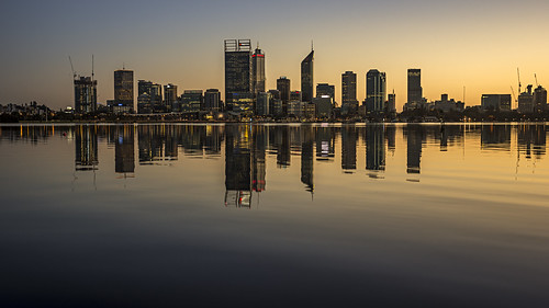 sony stevekphotography slta99 alpha a99 tamron 2470mm city cityscape river water skyline reflection dawn daybreak morning building urban lights nature scenery scenic landscape wideangle outdoors swanriver cityofperth southperth westernaustralia australia