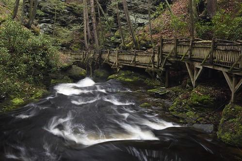 nikon d7200 landscape nature waterfall creek fence bushkill bushkillfalls
