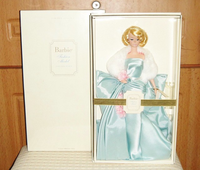 2000 Delphine Barbie (1)