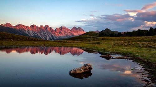 axams landscape olivergalvan alpine nature austria mountains alpinepasture clouds bluesky summer bluehour summermood salfeinslake sunset galvanol alpsintyrol senderstal