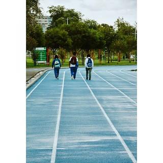  tres  #ecuador #minimalpeople #imagephilia #igersphilia #ig_minimalshots #ig_captures #nikonphotography #latinoamerica #peoplephotography #rsa_minimal #ig_ecuador #people #streetphotography #peoplewalking #minimal #urbanocity #minimalmood #tv_pointofview   by Sebastian Galarraga