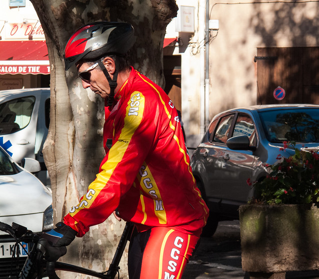Un papy cycliste
