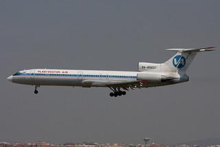 RA-85837. Tu-154. Vladivostok Air. BCN.