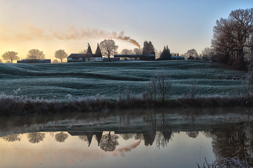 morning winter england reflection beautiful sunrise river kent december smoke peaceful calm symmetry medway hdr maidstone southeastengland teston