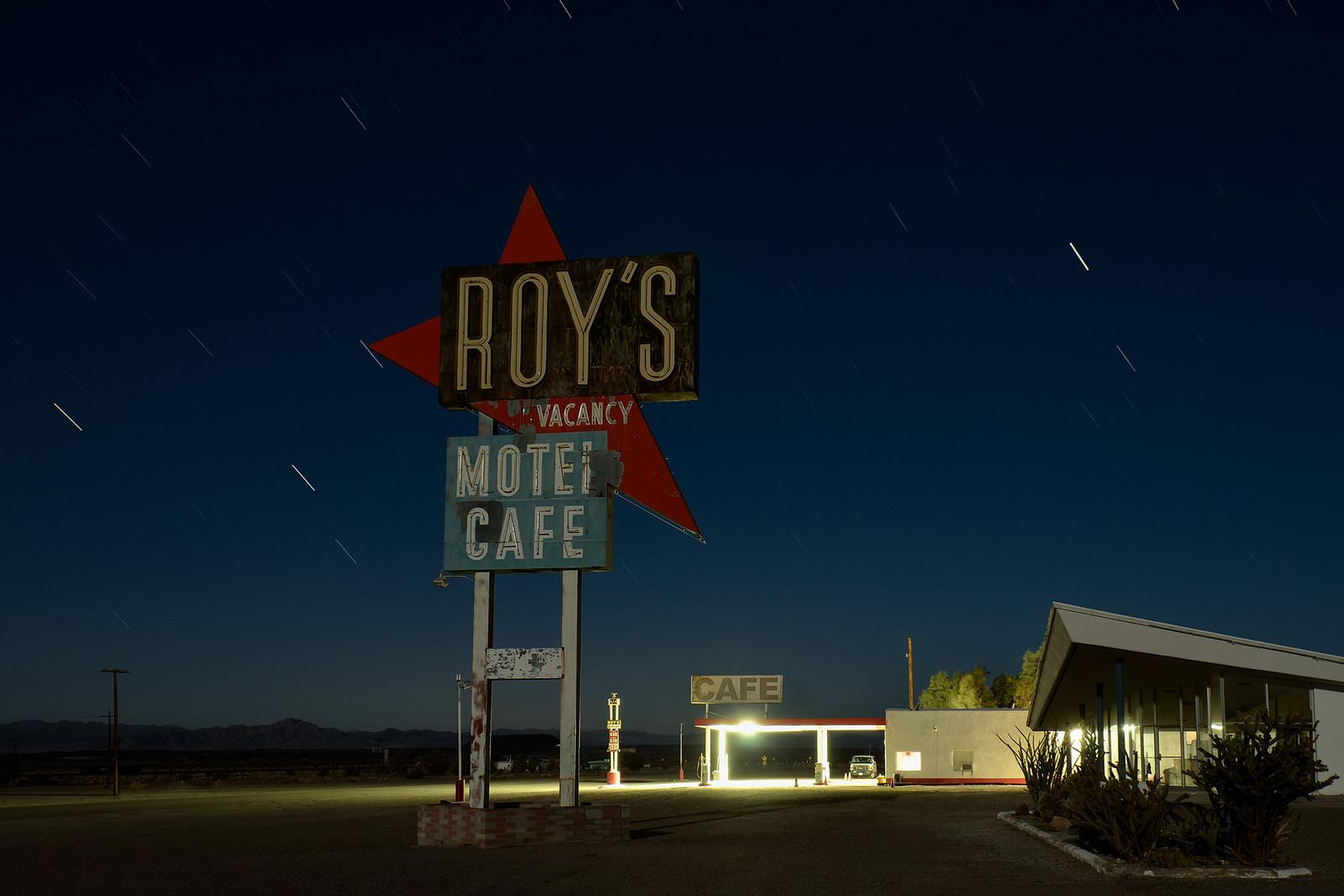 roy's motel & cafe. amboy, ca. 2014.