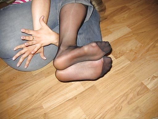 Fuesse in nylons