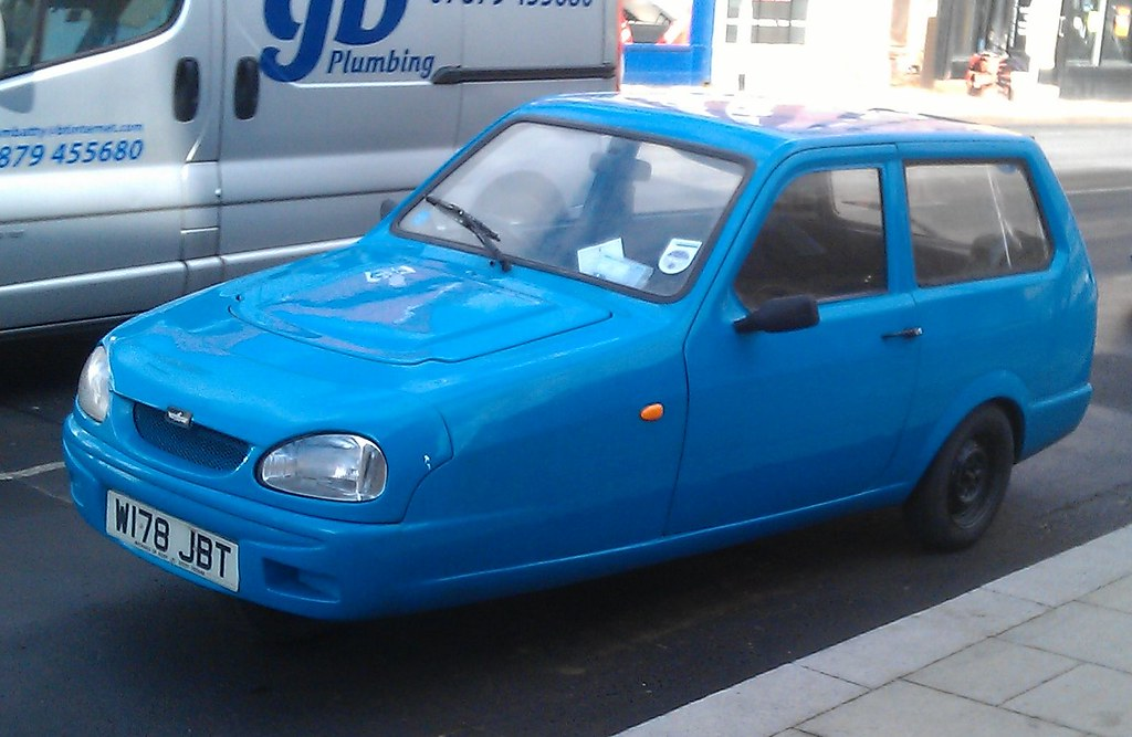 Reliant Robin Mk3 LX 2000 | A late one, of course  Liked tha