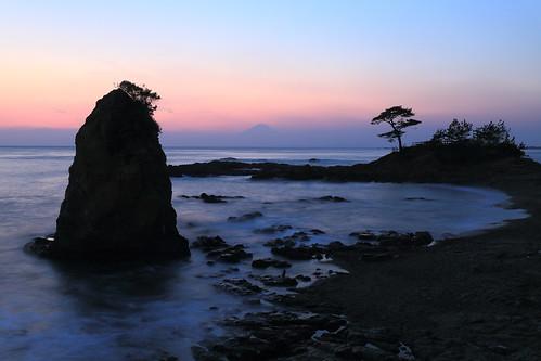 sunset seascape rock view seashore 富士山 mtfuji 日没後 秋谷海岸