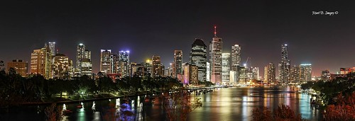 city longexposure nightphotography panorama color colour skyline canon geotagged photography flickr australia brisbane panoramic qld queensland brisbaneriver cityskyline kangaroopoint canon5dmarkiii markbimagery