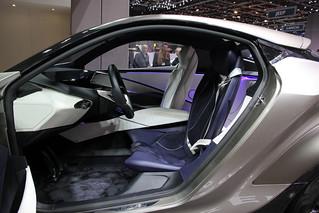 LEXUS-2015-LF-SA-concept-010