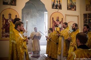 Литургия в Ильинском соборе 400