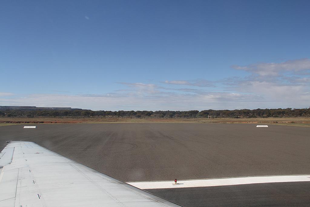 Qantaslink717-23S-VH-NXE-37