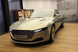 Aston-Martin-2015-Lagonda-concept-002