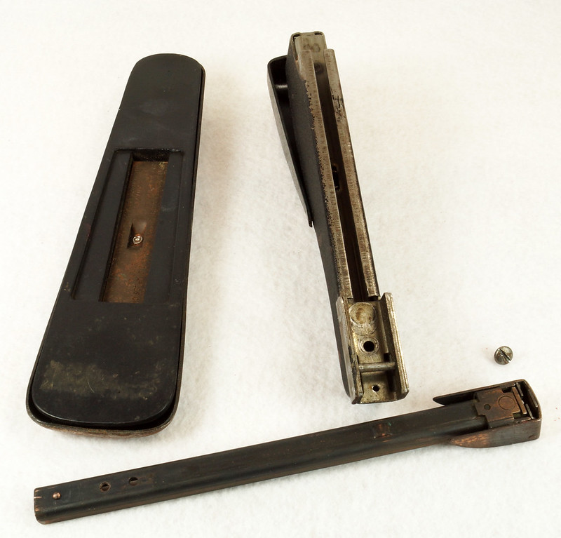 RD11756 Vintage Art Deco Stapler The Hotchkiss Sales Co. Norwalk, CT Model 120 DSC02425