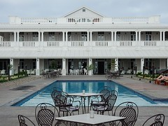 Grand Pacific - Poolside