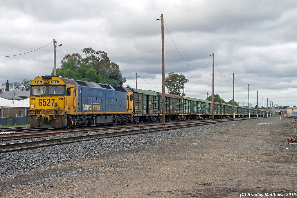 G527 with an empty VLRX's vans and VHHF's grain wagon seen stabled after done transfer on 9088 earlier from Echuca in the train yard at Bendigo (15/7/2016) by Bradley Matthews