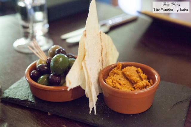 Olives, tomato pesto, Music bread
