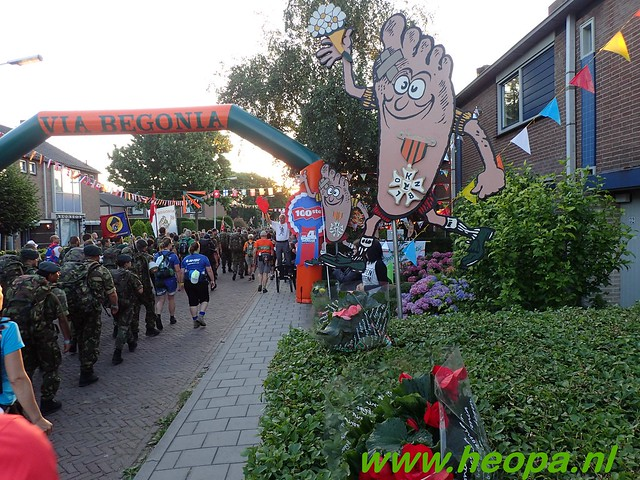 2016-07-19   1e dag Nijmegen    40 Km (15)