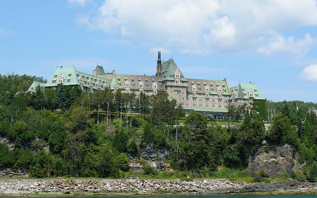 Manoir Richelieu vue a partir du fleuve St-Laurent