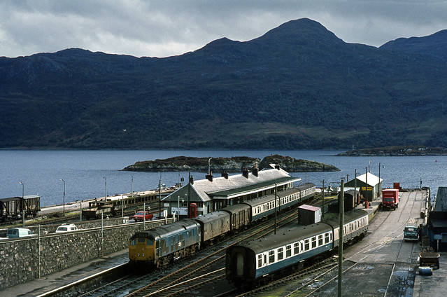 Kyle of Lochalsh Stn with Class 25 . Oct'73.