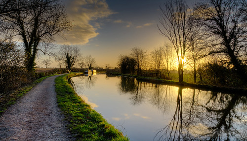 morning light reflection walking morninglight canal still nikon cheshire path walk hdr towpath middlewich photomatix bracketed 3xphdr ev202 3exposures202 strikingreflection