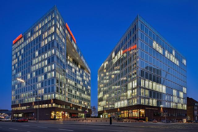 Spiegel publishing company and Frankfurt School of Finance