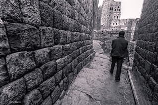 Narrow laneway in village of al-Hajjarah, Haraz, Yemen | by Phil Marion (177 million views - THANKS)