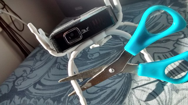 projector scissors