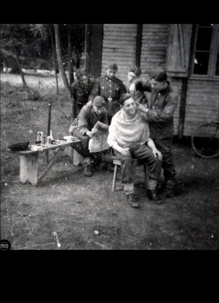 Freiluftbarbier Der Wehrmacht Junger Soldat Beim Friseu Flickr