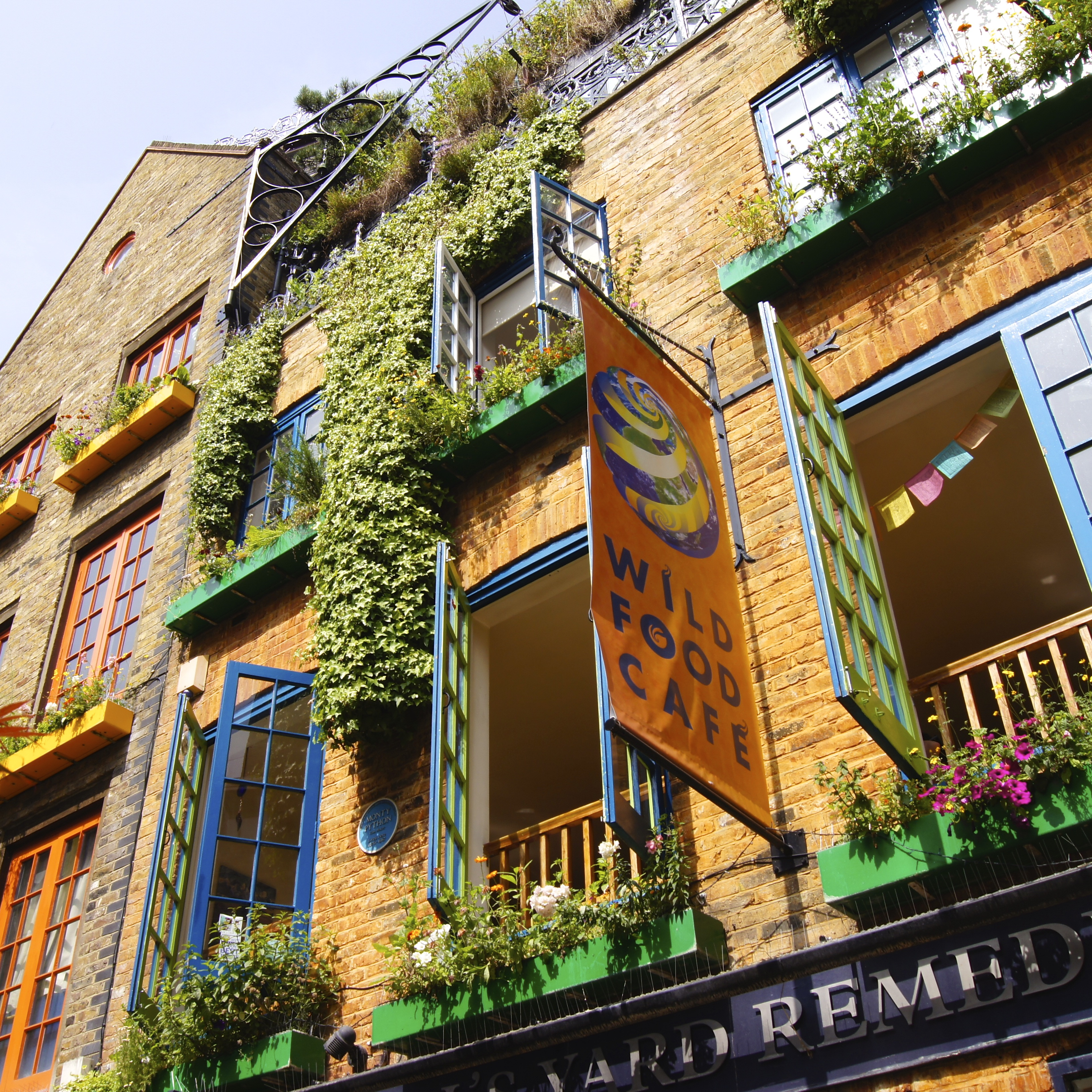 Neal's Yard and Covent Garden – My Day Trip to London PART 3