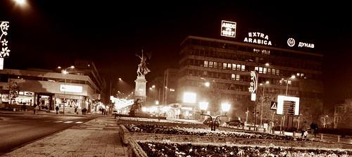 city citycenter lights night evening dark street monument krusevac photo photography camera nikon d3200 srbija serbia serbien laserbie