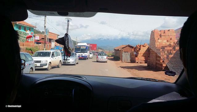Kylänraittia matkalla Cuscosta Ollantaybamtoon